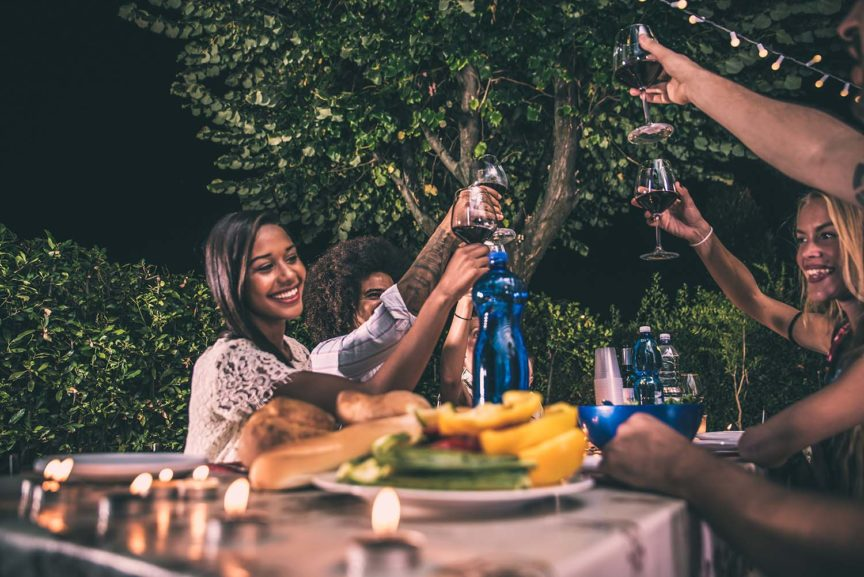 5 SIMPLE STEPS TO PREPARE FOR A BACKYARD PARTY