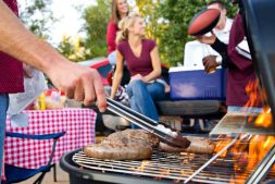 What Do You Serve At A Tailgate Party